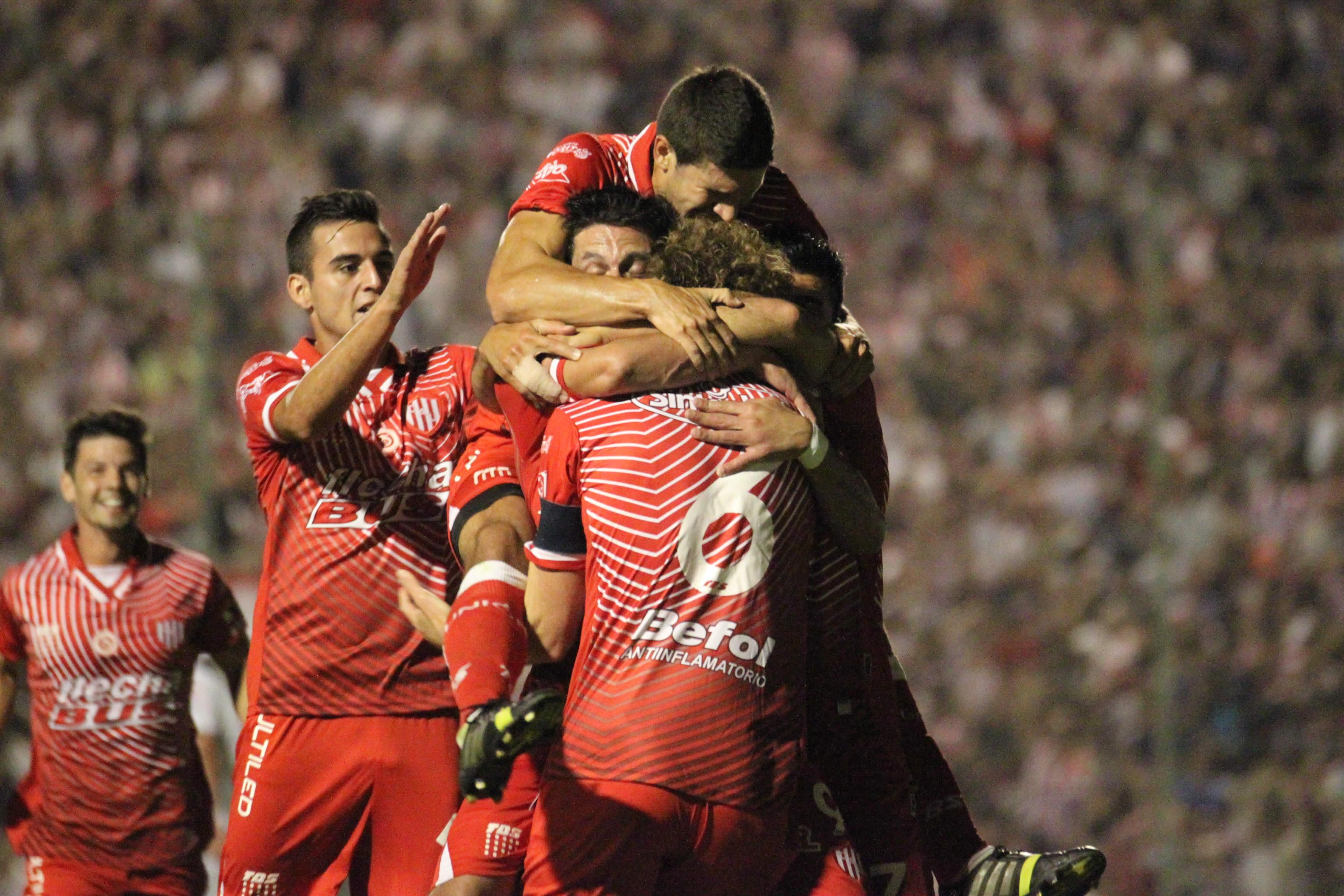 Un escalón menos. Unión derrotó a All Boys y acaricia el ascenso. Foto: Gonzalo Sejas (prensa Unión)