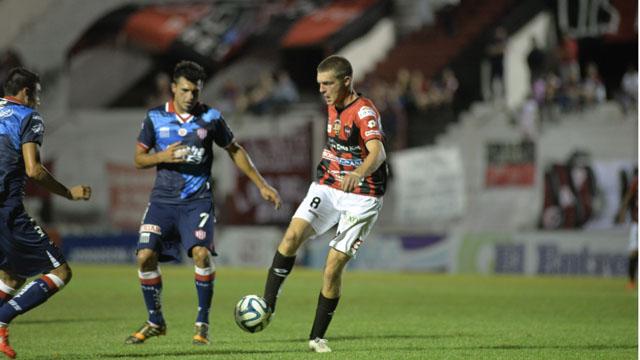 Unión ganó con autoridad en Paraná en su última presentación en la B Nacional. Foto: El Diario (Paraná)