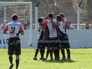 """El """"9"""" sigue festejando y sumando. Foto Archivo Fútbol de Santa Fe."""