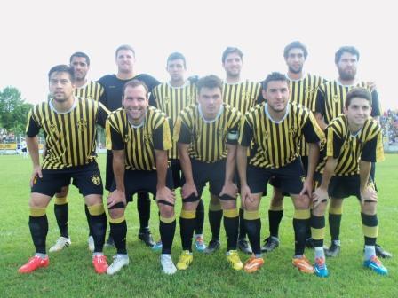 Sarmiento ganó el segundo partido con amplia goleada y forzó el tercer encuentro para definir el campeón 2015.