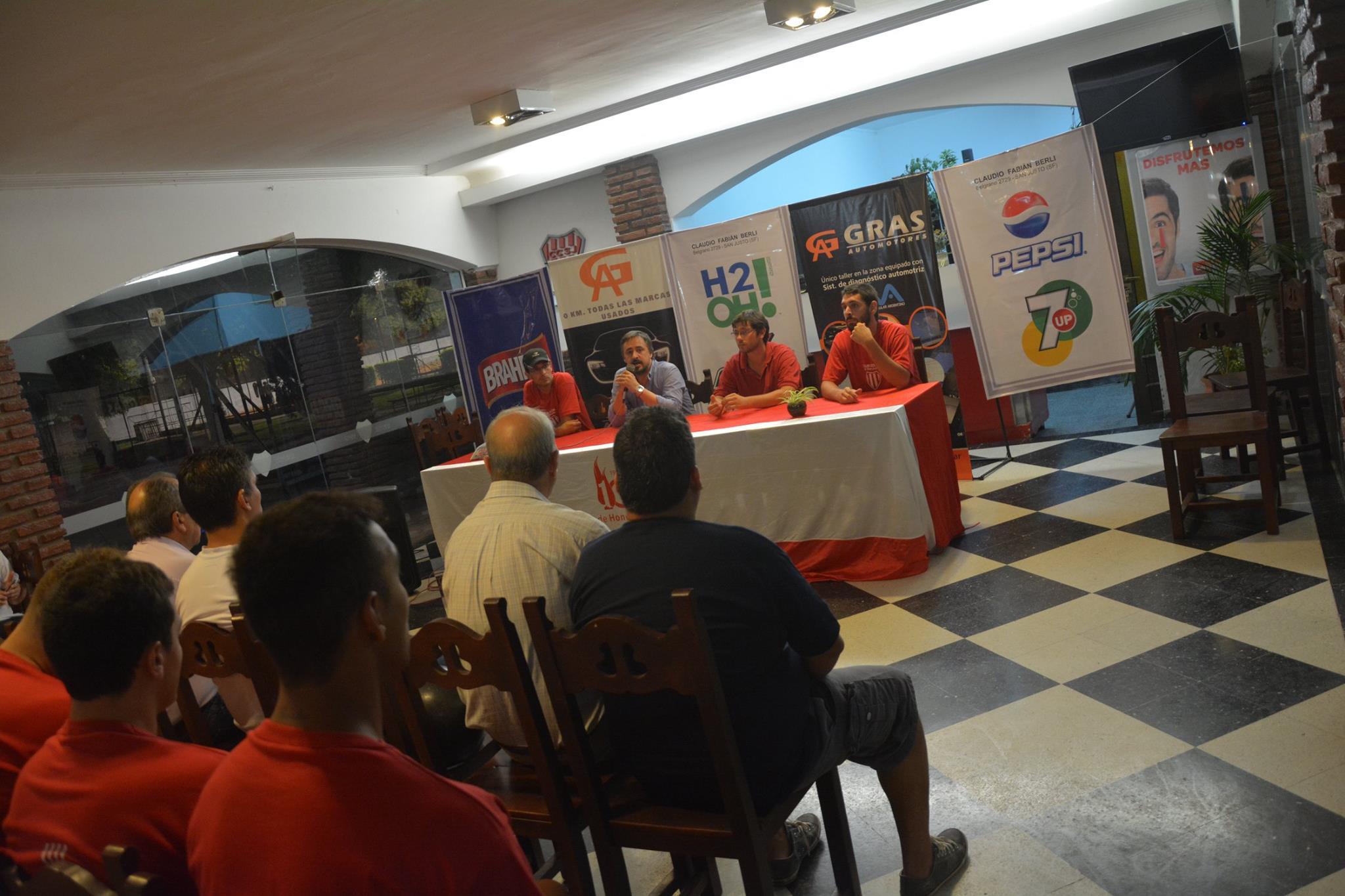 Con el torneo ya en disputa, se realzó el lanzamiento en sociedad del plantel de Colón de San Justo.