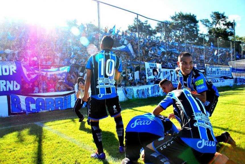 El equipo de José Ingenieros sorprendió al Sabalero en el estadio de Arsenal al ganarle 1-0 con el tanto de Oscar Altamirano. Tras su debut en el cuadro principal, el Tricolor se verá las caras con Argentinos Juniors o Laferrere.