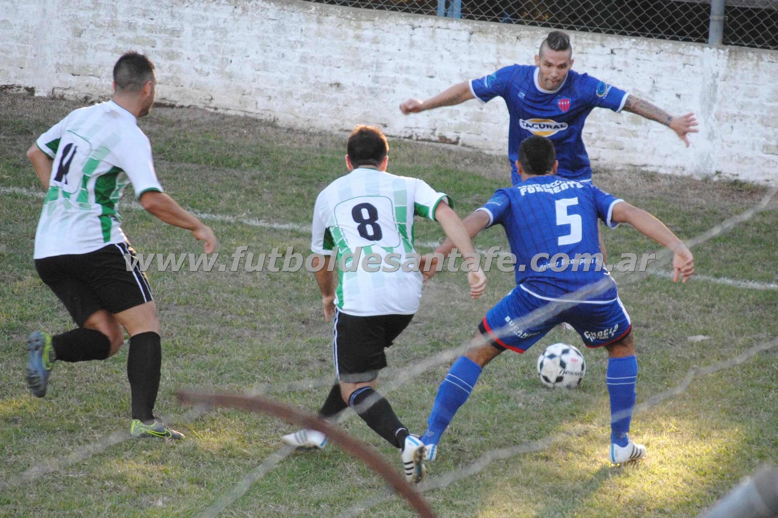 En el Apertura el clásico fue empate en Recreo Sur, ahora el turno de jugarse en Ángel Gallardo. Foto: archivo