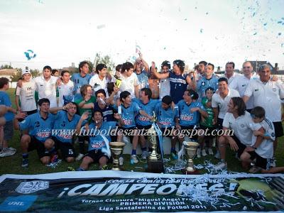 En el 2011, Universidad le ganó a San Cristóbal y consiguió el ascenso. Foto: archivo.