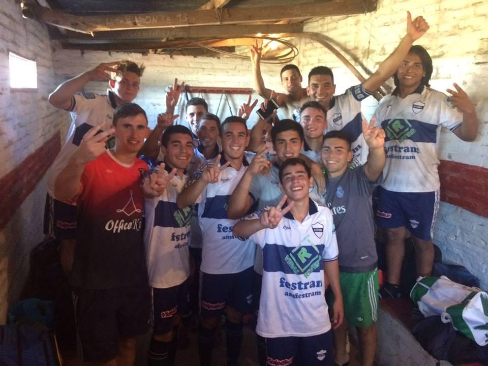 Atlético Floresta 1 - Atenas 2 (síntesis de reserva)