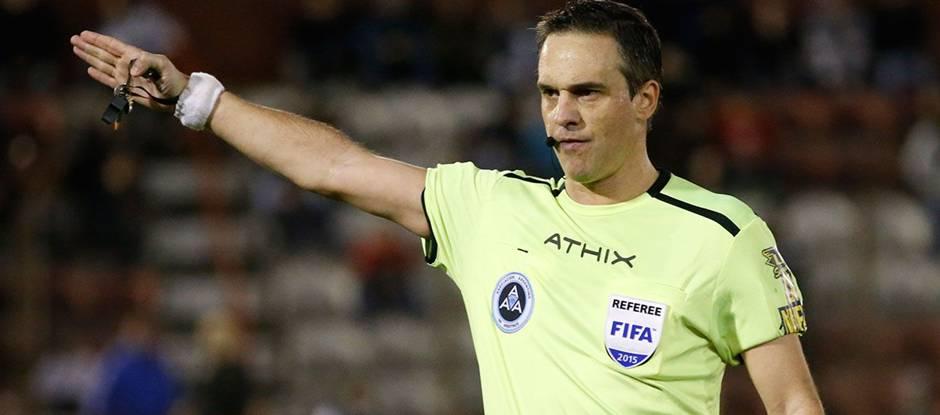 Patrico Loustau, será el árbitro del clásico Unión - Colón