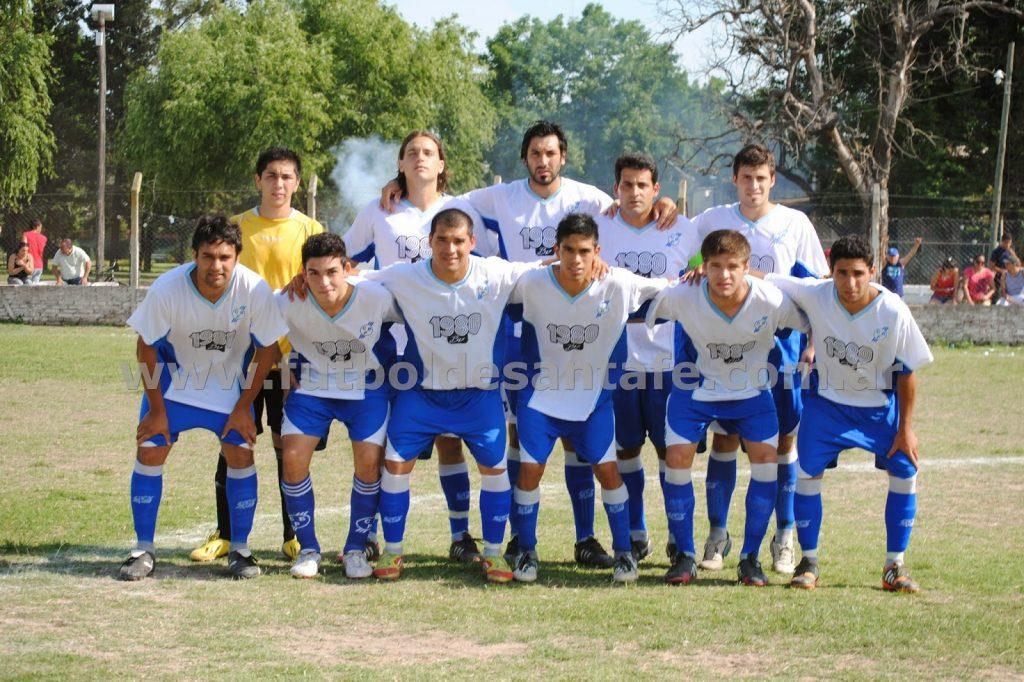 En su temporada debut, Defensores de Alto Verde, jugó por semifinales del Clausura en la B
